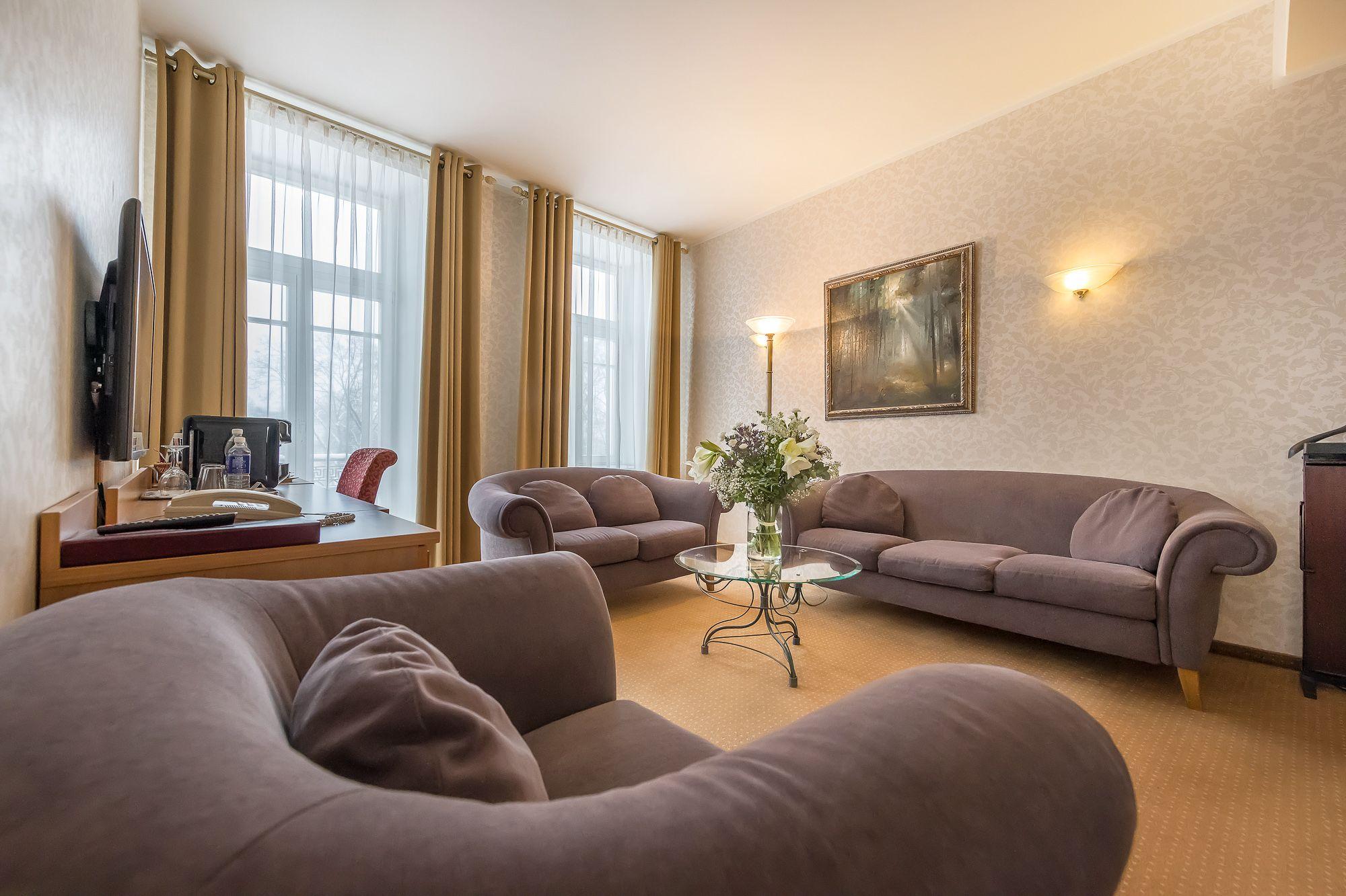 Artis Hotel Suite